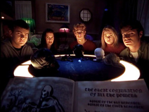 Pacey, Joey, Dawson, Jen, and that other guy perform a seance