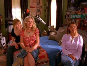 Joey Potter, Jen Lindley, Audrey gather to help Dawson